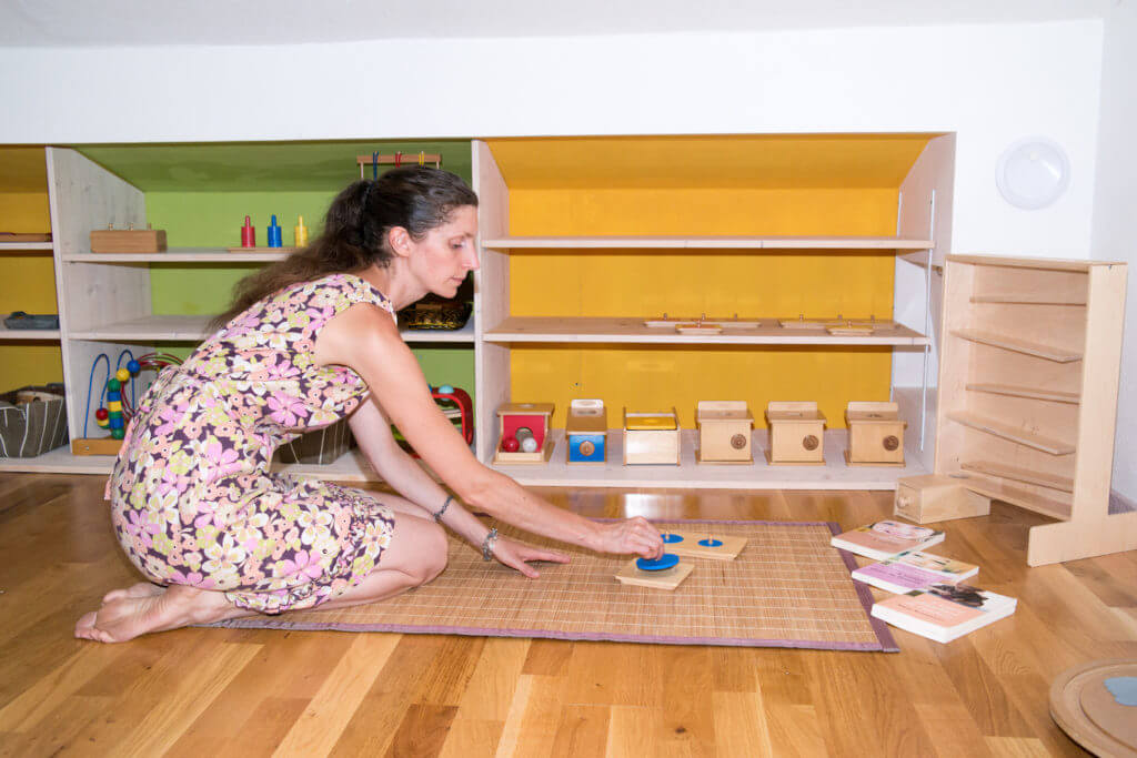 assistante maternelle et p dagogie montessori c est par ici. Black Bedroom Furniture Sets. Home Design Ideas